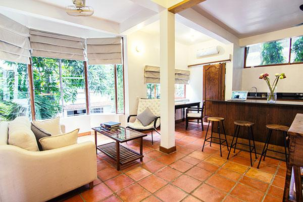 The best long-term hotel option with the highest quality and most reasonable rate in Phnom Penh. 3 star expat-owned hotel in Cambodia. Vegetarian restaurant, international artist in residence program, art studio, yoga classes and more.