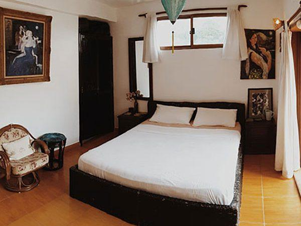 YK Art House standard apartment bedroom